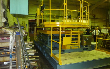 Scissor lift table with rotating working platform used on Channel Tunnel maintenance train